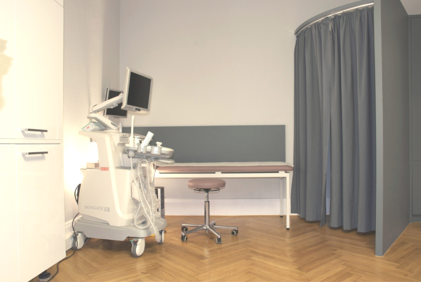 Arztzimmer02 Behandlung klein