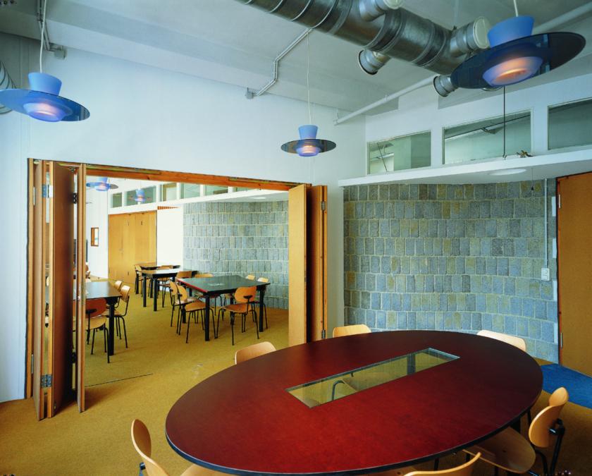 Meta Cafeteria2 klein